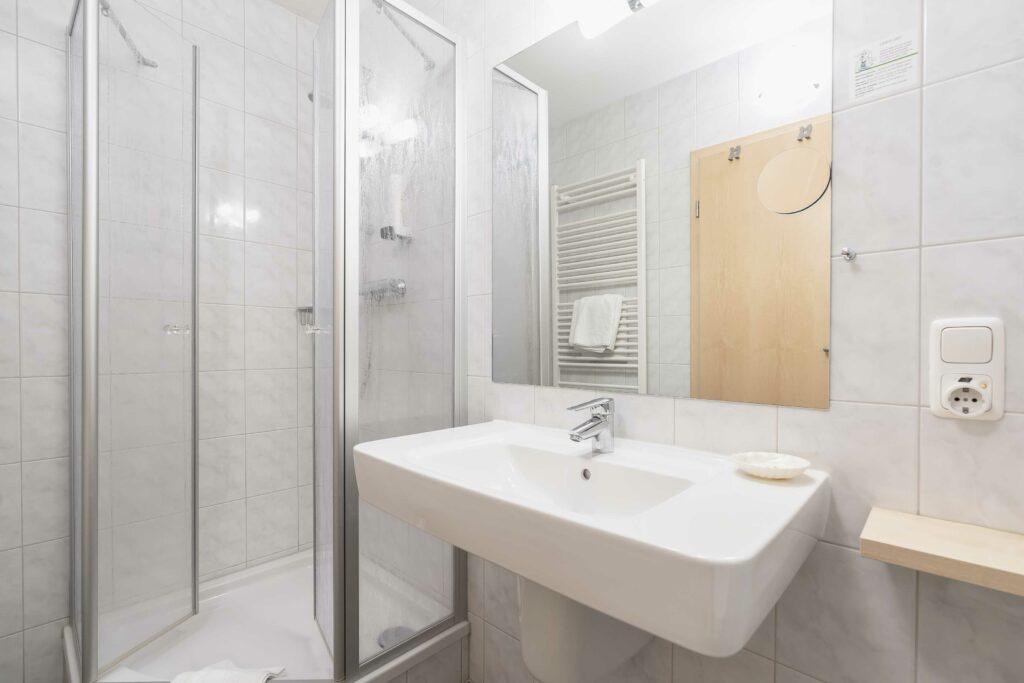 Hotel Bellevue Am Tegernsee Einzelzimmer Bad